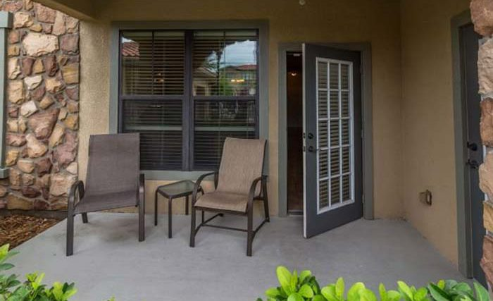 Bella-Piazza-Resort-Condos-in-Orlando-2BR-Front-op