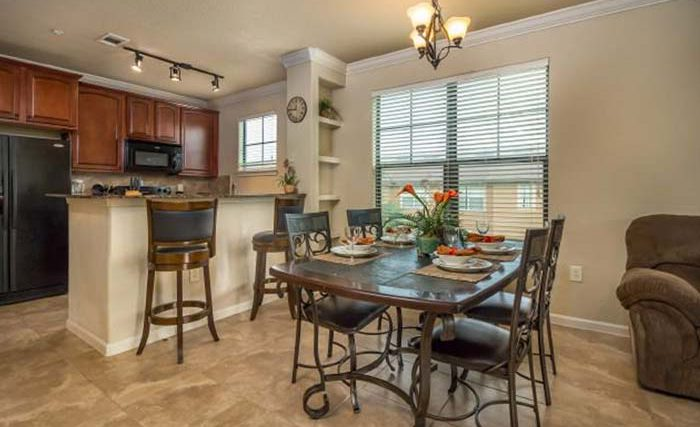 Bella-Piazza-Resort-Condos-in-Orlando-4BR-Kitchen-1-op