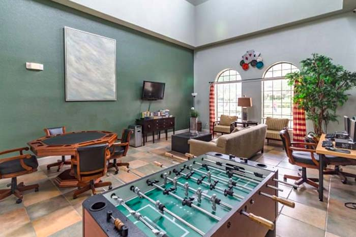 Bella-Piazza-Vacation-Condos-game-Room-op